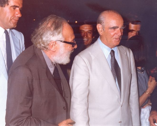 O Κωνσταντίνος Καραμανλής με τον Κάρολο Κουν στο Ηρώδειο το 1982