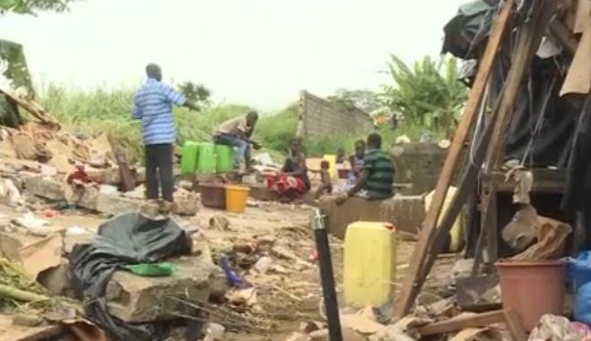 Τουλάχιστον 18 νεκροί από καταρρακτώδεις βροχές