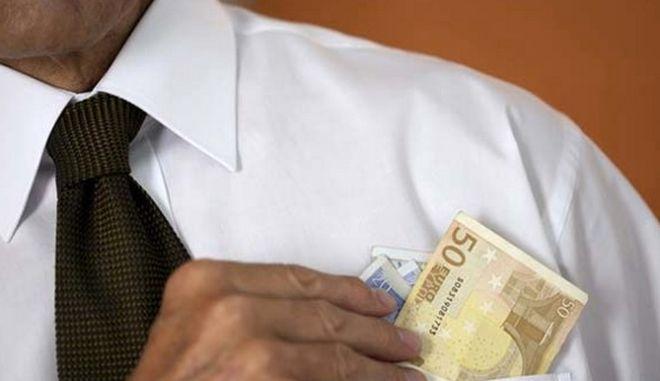 Πληρώσαμε 2,5 δισ. ευρώ σε επιδόματα και συντάξεις μαϊμού