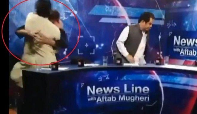 Βίντεο: Τηλεοπτικό debate μετατράπηκε σε αγώνα πυγμαχίας στο Πακιστάν