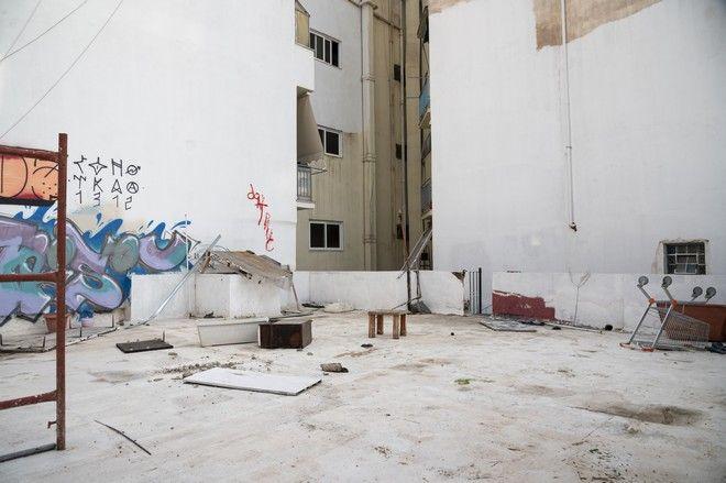 H ταράτσα του κτιρίου της κατάληψης όπως είναι σήμερα. Το κτίριο ανήκει στο νοσοκομείο
