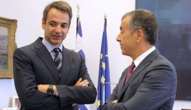 Η ΝΔ επιχειρεί να διεμβολίσει τη συμφωνία των Πρεσπών μέσω Ποταμιού και... ΣΥΡΙΖΑ