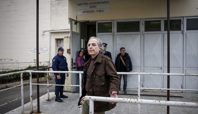 Ο Δημήτρης Κουφοντίνας βγαίνει από τις φυλακές Κορυδαλλού με άδεια τον Φεβρουάριο του 2018