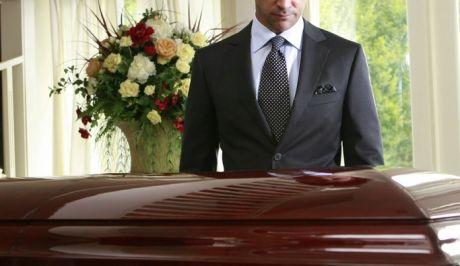 http://news247.gr/eidiseis/koinonia/article1884116.ece/BINARY/w460/funeral7812.jpg