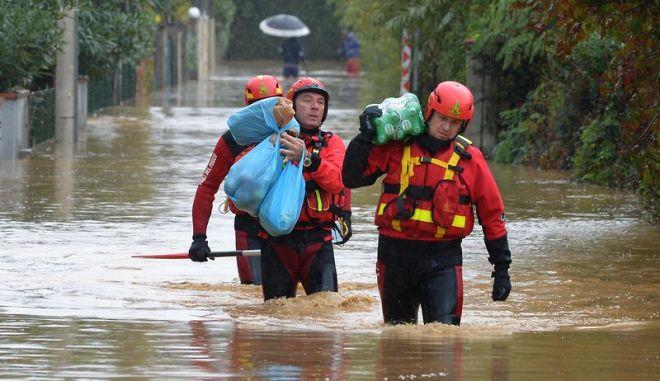 Φονικές πλημμύρες στην Τοσκάνη