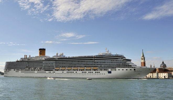 Η Ισπανία κρατά κλειστά τα λιμάνια της για τα κρουαζιερόπλοια