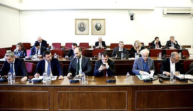 Συνεδρίαση της Ειδικής Κοινοβουλευτικής Επιτροπής προς διενέργεια προκαταρκτικής εξέτασης σχετικά με τη διερεύνηση αδικημάτων που τυχόν έχουν τελεσθεί από τον πρώην Αναπληρωτή Υπουργό Δικαιοσύνης Δημήτρη Παπαγγελόπουλο κατά την άσκηση των καθηκόντων του, την Πέμπτη 20 Φεβρουαρίου 2020. (EUROKINISSI/ΓΙΩΡΓΟΣ ΚΟΝΤΑΡΙΝΗΣ)