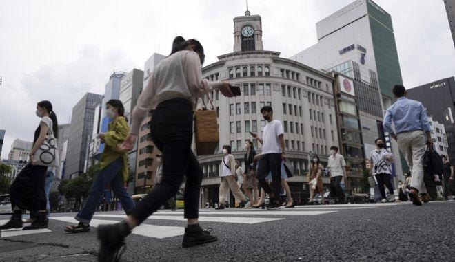 """Ιαπωνία: Το Τόκιο και άλλες περιφέρειες, βγαίνουν από τον """"κόκκινο"""" συναγερμό για τον κορονοϊό"""