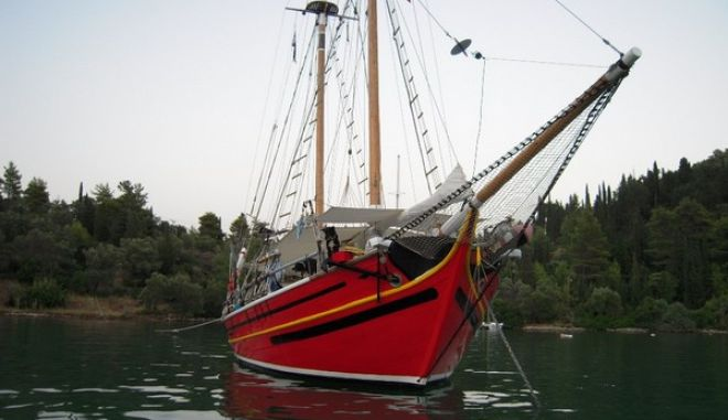 Ελλάς το μεγαλείο σου: Ο δήμος Γλυφάδας ζητά 20.000 ευρώ για σκάφος που έχει χαρακτηριστεί από την πολιτεία διατηρητέο