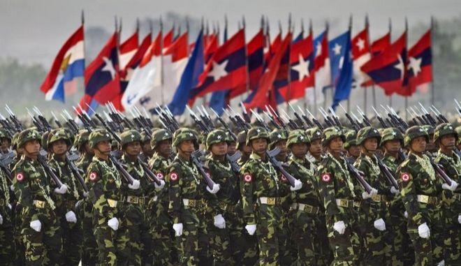 """Μιανμάρ: Ο στρατός χρησιμοποιεί τον βιασμό ως """"όπλο πολέμου"""""""