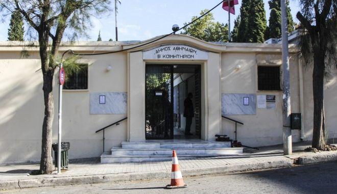 Σήμερα η κηδεία της 32χρονης εφοριακού που δολοφονήθηκε το βράδυ της Τετάρτης στο 2ο Νεκτροταφείο Ριζούπολης. Παρασκευή 20 Οκτωβρίου 2017 (EUROKINISSI// Σωτήρης Δημητρόπουλος)