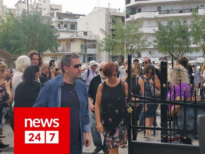 Ο Σπύρος Παπαδόπουλος  στην κηδεία του Λαυρέντη Μαχαιρίτσα