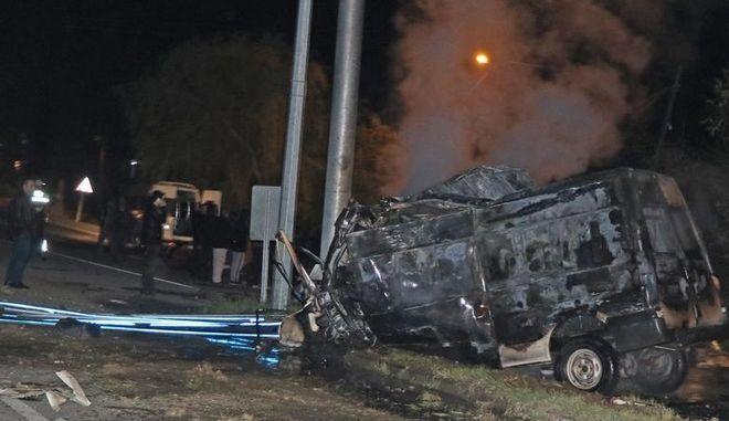 Τροχαίο δυστύχημα με minibus που μετέφερε μετανάστες στην Τουρκία
