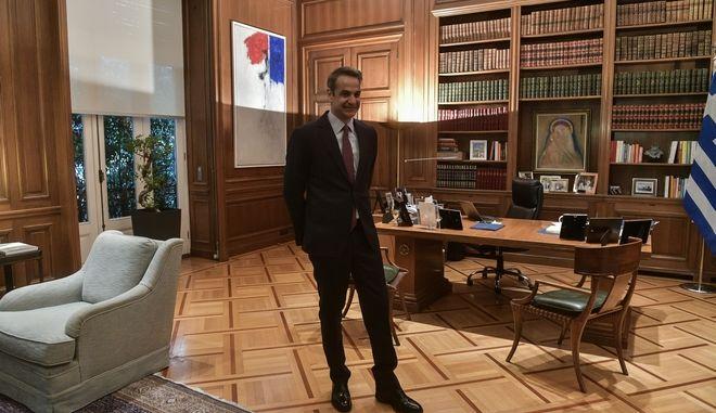 Ο πρωθυπουργός Κυριάκος Μητσοτάκης στο Μέγαρο Μαξίμου
