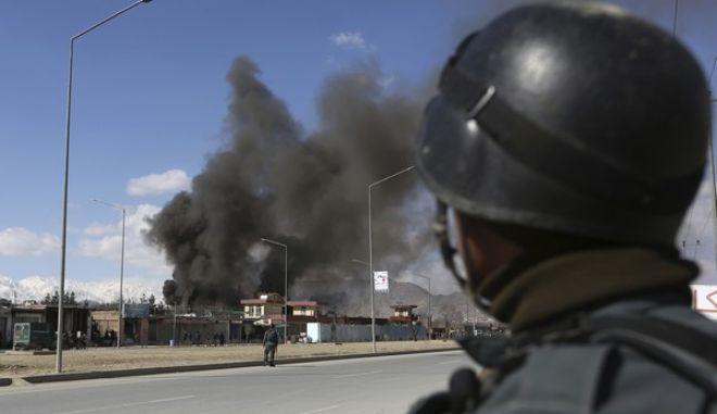 Αφγανιστάν: Βομβιστική επίθεση με εννέα νεκρούς αστυνομικούς