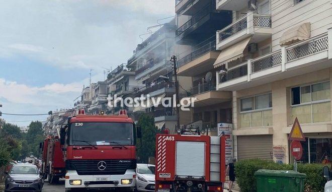 Θεσσαλονίκη: Φωτιά σε διαμέρισμα στην Καλαμαριά