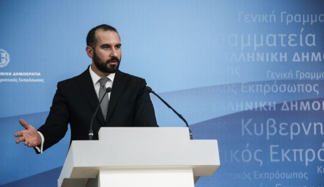 Briefing to the political reporters by the new Government Spokesman Dimitris Tzanakopoulos, in Athens, on Nov. 8, 2016  /           ,  ,  8 , 2016
