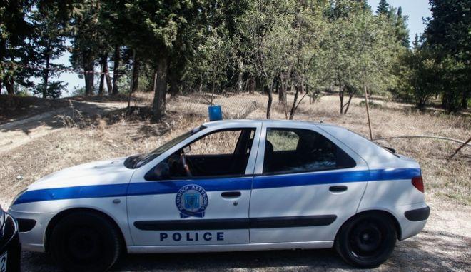 Περιπολικό στο σημείο όπου βρέθηκε νεκρή η 16χρονη