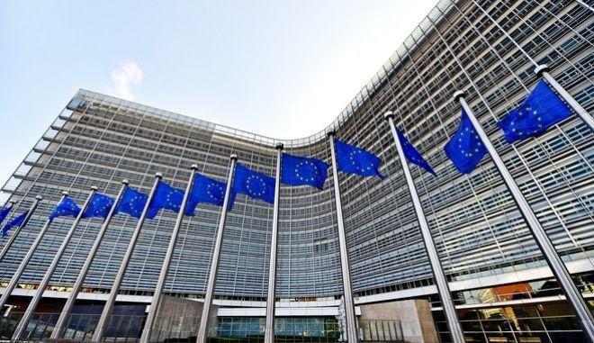 ΕΕ: Ομόφωνη έγκριση στα αντίποινα 2,8 δισ. ευρώ για τους δασμούς των ΗΠΑ