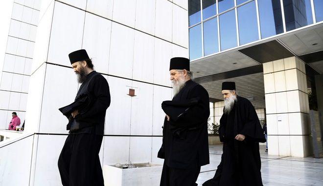 Στιγμιότυπο από το Τριμελές Εφετείο Κακουργημάτων όπου πραγματοποιείται η δίκη για την υπόθεση Βατοπεδίου, με κατηγορουμένους 14 άτομα, την Δευτέρα 2 Μαρτίου 2015. (EUROKINISSI/ΣΤΕΛΙΟΣ ΜΙΣΙΝΑΣ)