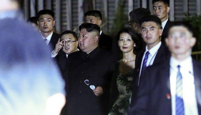 Νυχτερινή βόλτα για τον Κιμ Γιονγκ Ουν