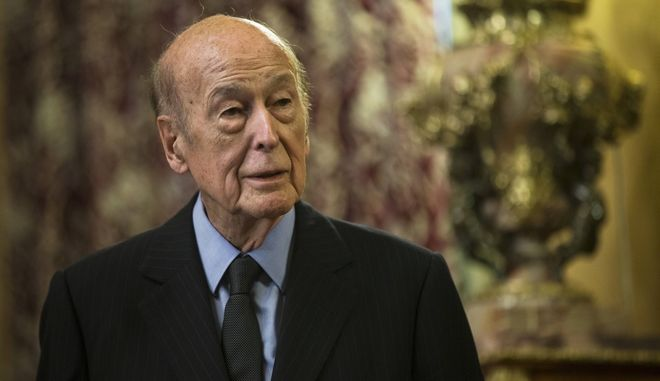 Former French President Valery Giscard d'Estaing speaks at a presentation of his book La Victoire de la Grande Armee in Moscow, Russia, Friday, May 29, 2015. (AP Photo/Pavel Golovkin)