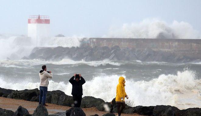 Εικόνα από περιοχή της νοτιοδυτικής Γαλλίας κατά τη διάρκεια της καταιγίδας Αμελί