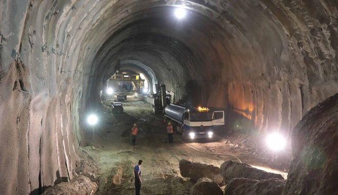 Ολοκληρώθηκε η υπόγεια σιδηροδρομική σήραγγα στο Δερβένι