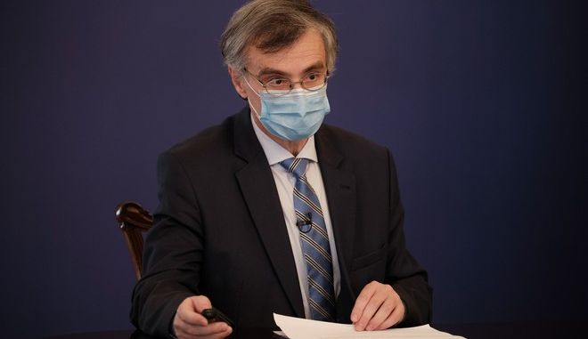 O καθηγητής Σωτήρης Τσιόδρας.