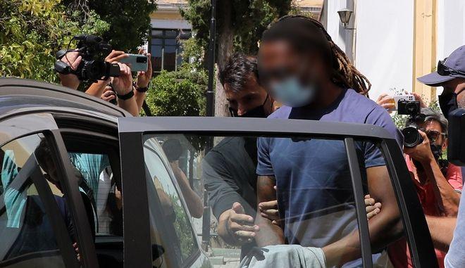 Ο Ρούμπεν Σεμέδο στις ανακριτικές αρχές κατηγορούμενος για ομαδικό βιασμό 17χρονης