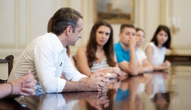 Συνάντηση του Πρωθυπουργού Κ. Μητσοτάκη με μαθητές με αφορμή την 45η Επετείο Αποκατάστασης της Δημοκρατίας, Τετάρτη 24 Ιουλίου 2019. (EUROKINISSI/ ΓΡΑΦΕΙΟ ΤΥΠΟΥ ΠΡΩΘΥΠΟΥΡΓΟΥ/ ΔΗΜΗΤΡΗΣ ΠΑΠΑΜΗΤΣΟΣ)