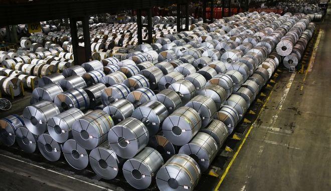 Δασμούς στις εισαγωγές χάλυβα και αλουμινίου έχει ανακοινώσει ο Τραμπ (AP Photo/Markus Schreiber)