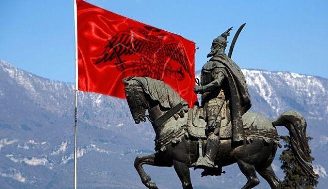 Μηχανή του Χρόνου: Σκεντέρμπεης, ο ήρωας της Αλβανίας λεγόταν Καστριώτης κι ήταν γιος Χριστιανού