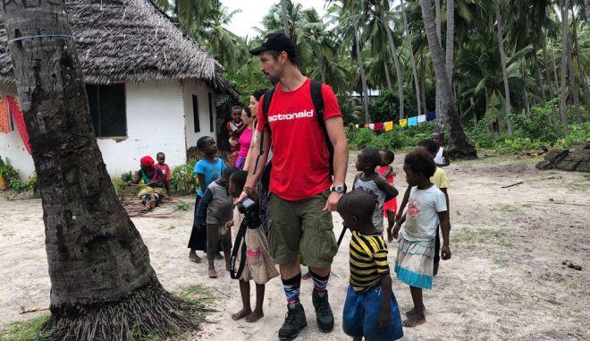 """Νικόλας Μάστορας: """"Στα χωριά της Αφρικής υπάρχει ακόμα μια αγνότητα στους ανθρώπους"""""""