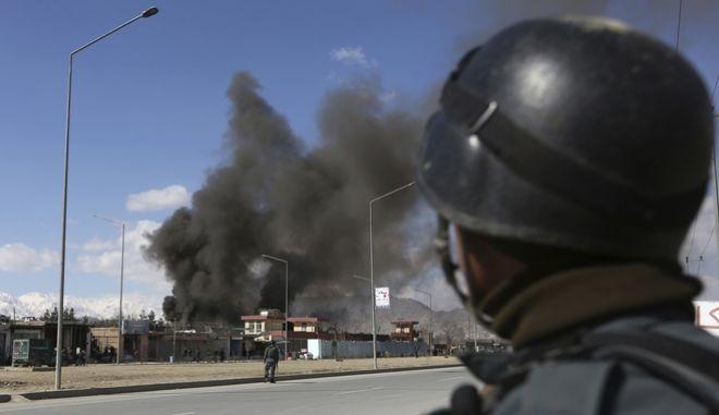 Αφγανιστάν: Βομβιστική επίθεση των Ταλιμπάν σε στρατιωτική βάση