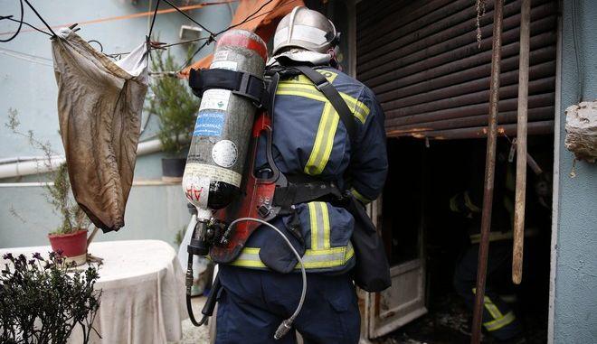 ΑΘΗΝΑ-Πυρκαγιά σε διαμέρισμα στη συμβολή Κάνιγγος και Σολωμού,τραυματίσθηκε ηλικιωμένος.(EUROKINISSI-ΣΤΕΛΙΟΣ ΜΙΣΙΝΑΣ)