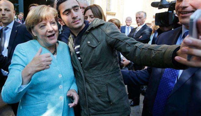 Γερμανία: Μόλις 29,5% θα έπαιρνε η Μέρκελ, αν γίνονταν εκλογές την Κυριακή