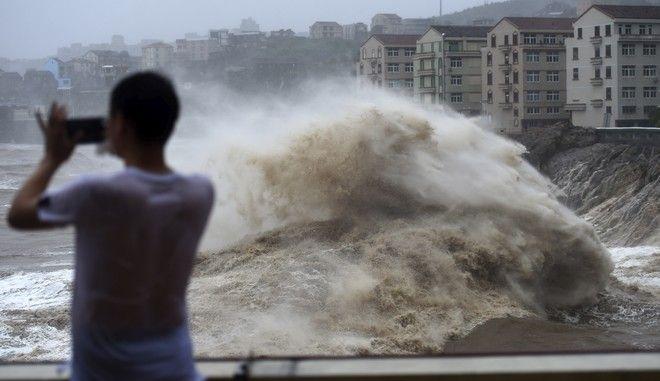 Εικόνα από το πέρασμα του τυφώνα Λέκιμα από την Κίνα