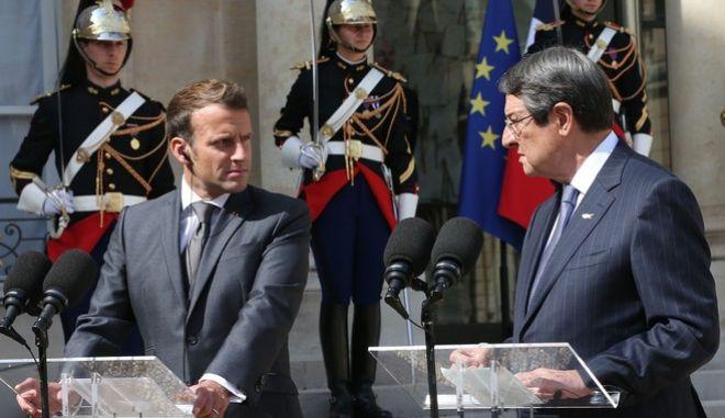 Εμανουέλ Μακρόν και Νίκος Αναστασιάδης σε συνέντευξη Τύπου στο Παρίσι