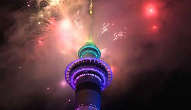 """Πρώτη """"τυχερή"""" η Νέα Ζηλανδία: Ξεφορτώθηκε το 2020 και υποδέχτηκε το 2021!"""