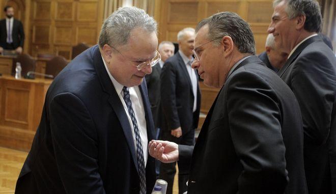 Ο Υπουργός Εθνικής Άμυνας Νίκος Κοτζιάς και ο Τομεάρχης Άμυνας της ΝΔ, Γιώργος Κουμουτσάκος