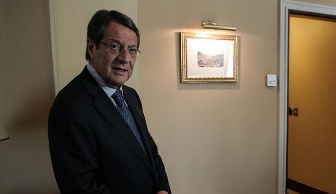 Meeting between the president of PASOK and vice president of the greek government Evagelos Venizelos, and the president of the Cyprian Democracy Nicos Anastasiades /