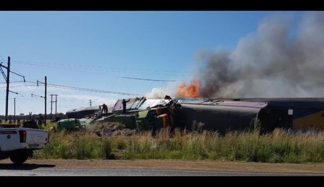 Ν.Αφρική: Τουλάχιστον 14 οι νεκροί από το σιδηροδρομικό δυστύχημα