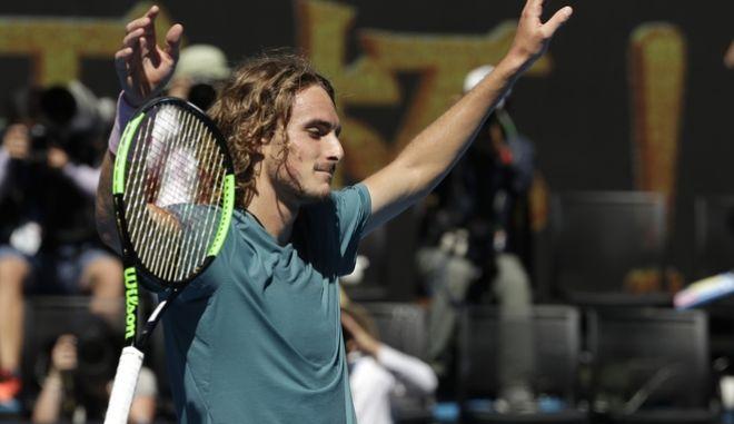 Μεγάλη νίκη και πρόκριση Τσιτσιπά στα ημιτελικά του αυστραλιανού Open