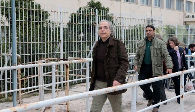 Εκτάκτως στο Γενικό Κρατικό Νίκαιας ο Δημήτρης Κουφοντίνας