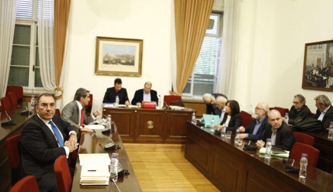 Συνεδρίαση της Εξεταστικής Επιτροπής για τη διερεύνηση της νομιμότητας της δανειοδότησης των πολιτικών κομμάτων, καθώς και των ιδιοκτητριών εταιρειών μέσων μαζικής ενημέρωσης από τα τραπεζικά ιδρύματα της χώρας, την Πέμπτη 24 Νοεμβρίου 2016. (EUROKINISSI/ΓΙΩΡΓΟΣ ΚΟΝΤΑΡΙΝΗΣ)