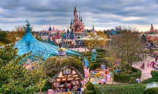 Οικογενειακή εξόρμηση στα θεματικά πάρκα της Γαλλίας
