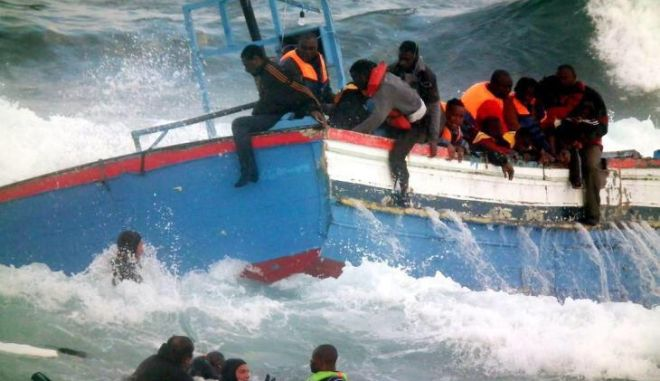 Ιταλία: Στους 400 οι νεκροί μετανάστες από το ναυάγιο