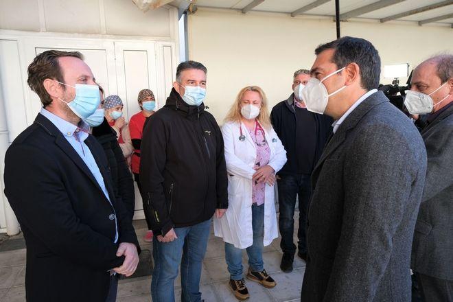 Τσίπρας: Σοκαριστικές οι περιγραφές των εργαζομένων στο νοσοκομείο Δράμας