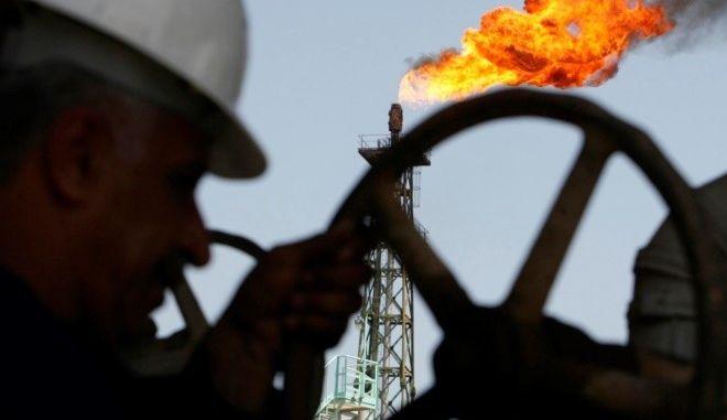 Η απόφαση Τραμπ για το Ιράν στέλνει στα ύψη το πετρέλαιο